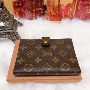 Louis Vuitton monogram passport/organizer